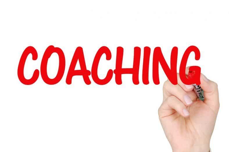coaching d'entrepreneur écrit en gros et en rouge au marqueur